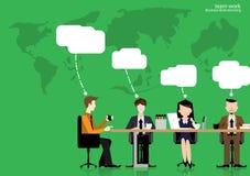 Метод мозгового штурма бизнесмена работы команды вектора, который нужно думать глобально и встреча при карты мира используемые в  Стоковые Фото