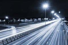 Метрополия перехода, движение и расплывчатые света стоковые фотографии rf