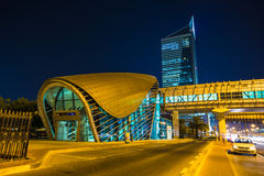 Метро Дубай как сеть метро мира самая длинная польностью автоматизированная (75 Стоковые Фото