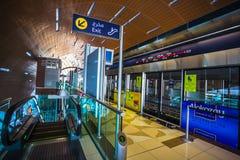 Метро Дубай как сеть метро мира самая длинная польностью автоматизированная (75 Стоковое Фото
