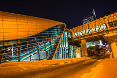 Метро Дубай как сеть метро мира самая длинная польностью автоматизированная (75 Стоковые Фотографии RF