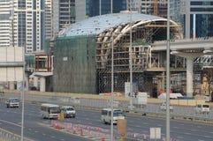 метро Дубай конструкции стоковое изображение