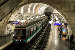 Метро Парижа стоковые изображения rf
