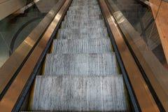 Метро эскалатора метро без людей Стоковые Изображения
