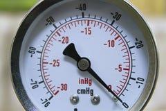 Метр манометра вакуума в изображении конца-вверх стоковые фото