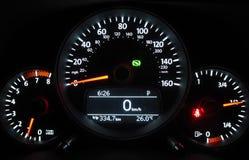 Метр мили в автомобиле стоковые изображения