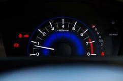 Метр скорости датчик который измеряет и дисплеи, дисплей приборной панели автомобиля Стоковые Фото