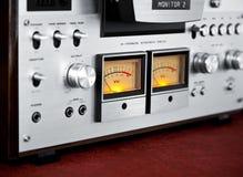 Метр VU рекордера палубы ленты вьюрка сетноого-аналогов стерео открытый Стоковая Фотография