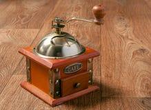 Механизм настройки радиопеленгатора и кофейные зерна Стоковая Фотография
