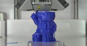 Механизм принтера 3D работая на игрушке детей печатания