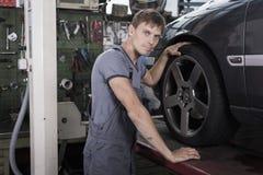механик автомобиля стоковое фото rf