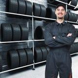 механик гаража предпосылки стоковая фотография rf