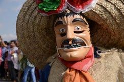 Мехико, Мексика 9-ое декабря 2018: Паломники празднуют праздненства на базилике Guadalupe стоковые изображения rf
