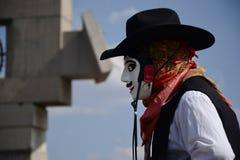 Мехико, Мексика 9-ое декабря 2018: Паломники празднуют праздненства на базилике Guadalupe стоковое фото