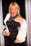 Меховая шыба молодой женщины вкратце Стоковое Изображение RF
