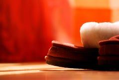 Меховой красный конец-вверх тапочек младенца Стоковые Фото