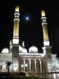 Мечеть в backlight ночи, Sanaa Saleh, Йемен стоковое фото rf