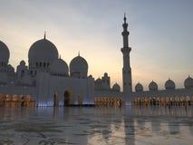 Мечеть Дубай в вечере стоковые фотографии rf