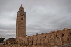Мечеть и минарет Марокко Marrakesh Koutoubia Стоковые Фотографии RF