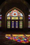 Мечеть мечети Nasir-ol-Molk персиянки или розовой мечети традиционная в Ширазе Иране на фасаде стекла района Gowad-e-арабана Стоковые Фото