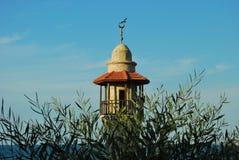 Мечеть на предпосылке моря Стоковое Изображение