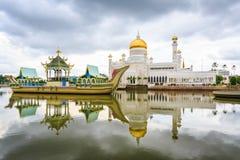 Мечеть Омара Али Saifudding Стоковые Фотографии RF