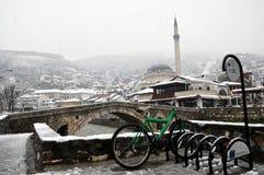 Мечеть паши Sinan и каменный мост, Prizren Косово Стоковое Изображение RF
