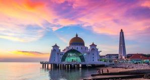 Мечеть проливов Малаккы в положении Малайзии Малаккы Стоковая Фотография