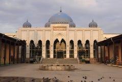 Мечеть шейха Massal объявлени-Din в городе Khujand, Таджикистане стоковая фотография
