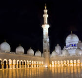 мечеть Abu Dhabi грандиозная Стоковые Фотографии RF