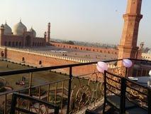 Мечеть Badshahi стоковые фотографии rf