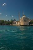 Мечеть Ortakoy Buyuk Mecidiye в Стамбуле стоковое фото rf