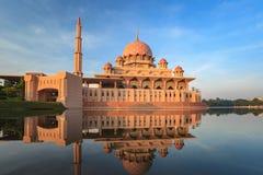 Мечеть Putra - Путраджайя - Малайзия Стоковые Изображения RF