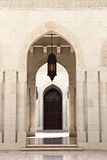 Мечеть Qaboos султана грандиозная, Muscat (Оман) Стоковое Изображение