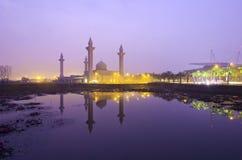 Мечеть Tengku Ampuan Jemaah, во время восхода солнца Стоковые Фотографии RF