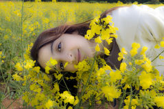 мечтательная природа девушки Стоковое Изображение