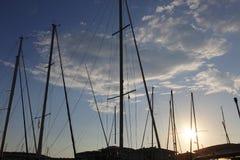Мечтательный заход солнца над гаванью Fréjus Францией Стоковое Фото