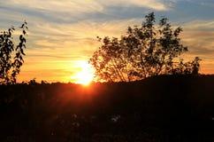 Мечтательный заход солнца с озером Стоковая Фотография RF