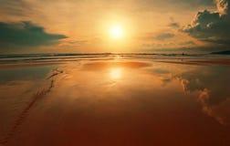мечтательный заход солнца тропический Стоковое фото RF
