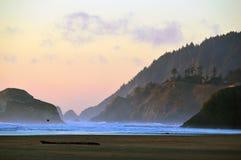 Мечтательный заход солнца на побережье Орегона Стоковое Изображение RF