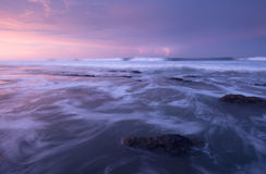 Мечтательный мирный заход солнца с молнией Стоковое Изображение RF