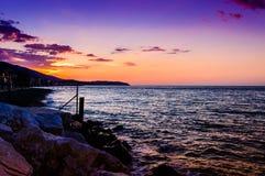 Мечтательный романтичный заход солнца полуострова Стоковые Фото