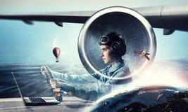 Мечтать, который нужно стать пилотом Мультимедиа Мультимедиа Стоковое фото RF