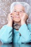 мечтать пожилая женщина стоковые изображения rf