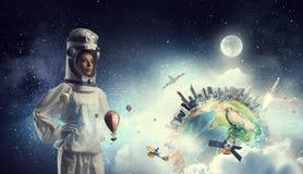 Мечтать для того чтобы исследовать космос Мультимедиа Мультимедиа Стоковая Фотография RF