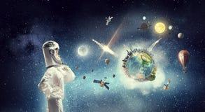 Мечтать для того чтобы исследовать космос Мультимедиа Мультимедиа Стоковое Изображение