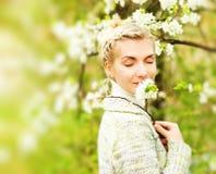 мечтать outdoors женщина Стоковая Фотография