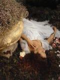 мечтая девушка Стоковые Изображения RF
