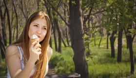 Мечтая девушка Стоковое фото RF