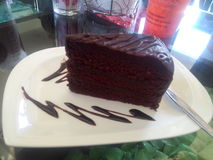 Мечты шоколадного торта темные и сладостные Стоковое Изображение